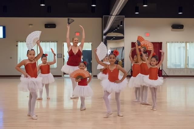 2017 Holiday Dance Showcase - beginner Ballet class performance